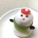 シャトレーゼ - クリスマス和菓子雪だるま 280円(税込)