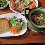 カフェ ミール バロック - 日替りランチAセット~チキンソテーと焼野菜の石窯クリーム煮