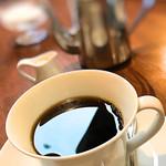 恭月 - 銀ポットで提供のコーヒー 二杯以上は入ってます。 700円