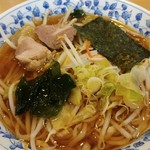 ひろや - 料理写真:しょうゆ野菜ラーメン 700円