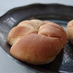 シミズパン店 - 凝乳麪麭(くりいむぱん)