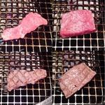 59651429 - 二種類の肉の焼く前と焼いた後