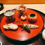 日本料理 太月 - 前菜 牡蠣時雨煮(昆布森)、小河豚皮煮凝り、菊菜菊花酢浸し、めひかり風干し、芝海老しんじょ、百合根梅肉和え2016年12月