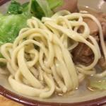 59652659 - 麺は平打ち麺です。