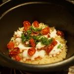 ぽつらぽつら - 真蛸と自家製ドライトマトの炊き込み(1合1800円)