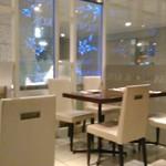 バンコクキッチン - [内観] 店内 テーブル席 ①