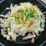 クニズ - 料理写真:チーズペッパーライスS