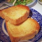 芦名ベーカリー 芦兵衛 - 山型食パン