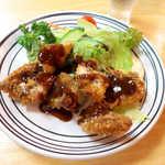 おふくろ - 天然タイフライ(¥594)。鯛のフライとは贅沢な… 瀬戸内ならではのアテといえよう