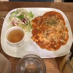 デイズ カリフォルニア カフェ - 「カニととろーり焼きチーズのトマトクリームオムライス」(税抜970円)