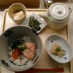 だし茶漬け えん - [料理] 焼き鮭とイクラの親子茶漬け¥820 セット全景♪w