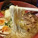 分田上 - やや細めの麺で、スープとの絡みも良い