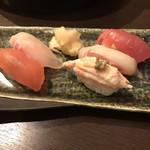 旨い魚と野菜の金澤じわもん料理 波の花 - おまかせ握り寿司五貫