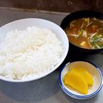 ベル - ご飯と味噌汁と漬物