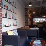 TRACTION book cafe - 店内