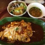 ガムラン - 料理写真:ふわとろ卵のデ三・オムセット