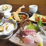 わらべ菜魚洞 - わらべのコース料理(一例です)。