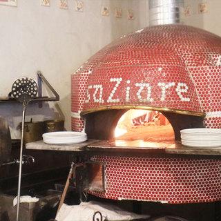 ■ナポリ直輸入の窯で焼きあげたPizza