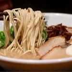 博多新風ラーメン食堂 - 麺リフト(ハリガネ)