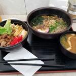 赤塚パーキングエリア(上り線) スナックコーナー - お味噌汁は豚汁でした(; ゚ ロ゚)