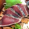 土佐わら焼き 龍神丸 - 料理写真:わら焼き鰹の焼き切り 塩たたき(5切れ)