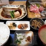 59681143 - 煮魚定食