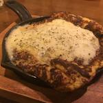 炭火焼とワインの酒場 VOLTA - チーズガレット〜お好み焼きスタイル