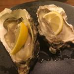 炭火焼とワインの酒場 VOLTA - 北海道 厚岸 越野さんの牡蠣「生牡蠣」