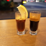 caffeineholic - 紅茶エスプレッソとコーヒーエスプレッソ