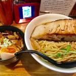 59694898 - 極厚肉山賊麺(大盛)+肉玉飯【料理】