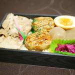 小塙 - チャーシュー・鶏のタレ焼・玉こんにゃく