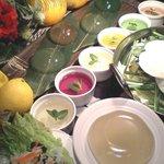 水炊き風もつ鍋 もつ彦 - コラ^-ゲン摂取が期待できる美肌鍋は選べるコースで。もつ鍋orもち豚しゃぶしゃぶ。
