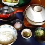 宮崎料理 万作 - 霧島鶏の鶏すき鍋御膳