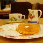 ザ ティー by ムレスナティー - HOT CAKE & TEA FREE SET (¥2,200)