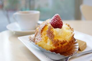 ママのえらんだ元町ケーキ 元町本店 - ざくろ (¥270)、紅茶 (¥200)