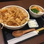 京うどん 夢吟坊 - かき揚げ天丼と小うどんのセット