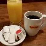 Denny's - これも定番コーヒーとジュース