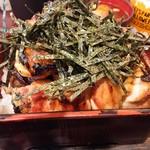 59708227 - 焼鳥丼 海苔が大量   2000円