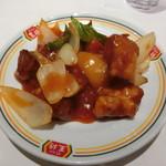 餃子の王将 - 酢豚。野菜にあまり火が通ってなくて苦い