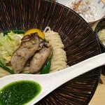 饗 くろ喜 - 牡蠣味噌つけそば+背あぶら飯 1500円