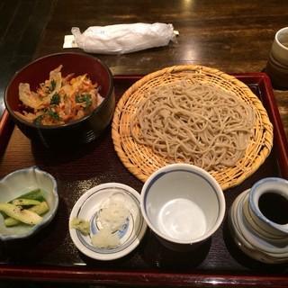 禅味 一茶庵本店 - 菊セットのせいろそばとかき揚げ天丼。 税込1080円。 美味し。