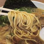 背脂醤油ラーメン まる星 - 細ストレート麺