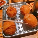 串くし本舗 - 串カツです。オススメの半熟玉子です。(2016.11 byジプシーくん)