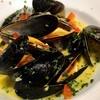 アイルランド産 ムール貝のワイン蒸し サフラン風味