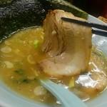 鶴一家 - チャーシューも美味しかったですよ。
