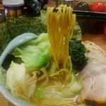 鶴一家 - 麺はこんな感じです。