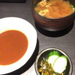 藤原亭 - 赤出汁とデミグラスソース