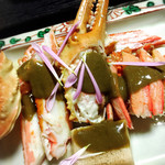 59725063 - 深緑の蟹味噌ソースが掛かります!