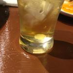 CAFE&BAR ひとこぶらくだ - グラスの底の異物