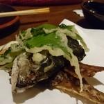 九州 熱中屋 - 鯖骨煎餅 380円